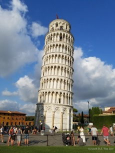 "The ""Leaning"" Tower of Pisa."