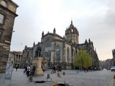 Statue of Adam Smith in front of St Giles' Cathedral