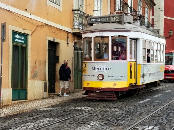 The Remolado trams operating on this route originate from the 1930s and have been in operation ever since. While the cars remain original, there have been technological upgrades to the operating equipment.